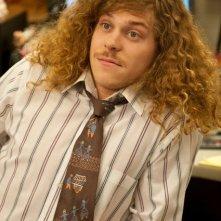 Blake Anderson in una scena della serie Workaholics