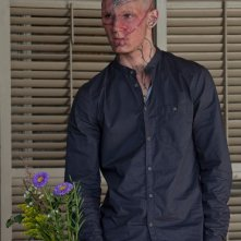 Una immagine di Alex Pettyfer trasformato in 'Bestia' nel film Beastly
