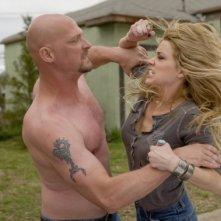 Todd Farmer e Amber Heard in un'immagine di Drive Angry