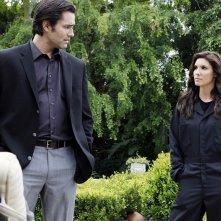 Kensi Blye (Daniela Ruah) guarda Stanley King (Victor Webster) nell'episodio The Job di NCIS: Los Angeles