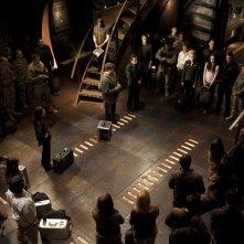 L'equipaggio riunito prima della partenza nell'episodio Twin Destinies di Stargate Universe