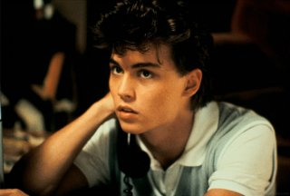 Un giovanissimo (e irresistibile) Johnny Depp in una scena di Nightmare - Dal profondo della notte