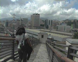 Un'immagine del Porto di Genova dal film Il colore del vento