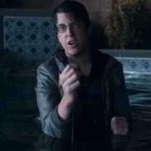 Un primo piano di Christopher Mintz-Plasse in Fright Night