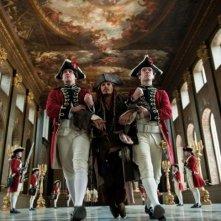 Johnny Depp in una sequenza di Pirati dei Caraibi 4: Oltre i confini del mare