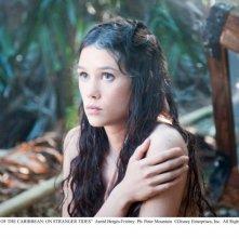 La bellissima Astrid Berges-Frisbey nel film Pirati dei Caraibi 4: Oltre i confini del mare