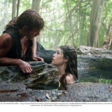 Sam Claflin e Astrid Berges-Frisbey nel film Pirati dei Caraibi 4: Oltre i confini del mare