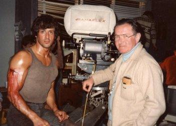 Sylvester Stallone accanto a Ted Kotcheff sul set di Rambo