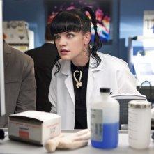 Abby (Pauley Perrette) in una sequenza dell'episodio Tell-All di NCIS