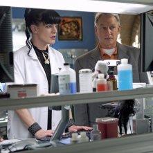 Pauley Perrette e Mark Harmon nell'episodio Tell-All di NCIS
