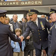 Amy Carlson, Donnie Wahlberg, Bridget Moynahan, Tom Selleck e Len Cariou nel pilot di Blue Bloods