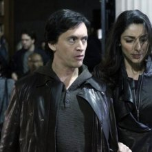 Clifton Collins Jr e Necar Zadegan nell'episodio Face Off di The Event