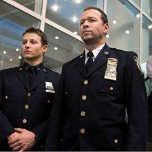 Donnie Wahlberg e Will Estes nell'episodio Dedication di Blue Bloods