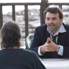 Fabrizio Buompastore in una scena del film Se sei così, ti dico di sì