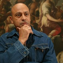 Hassani Shapi nel film Senza arte né parte