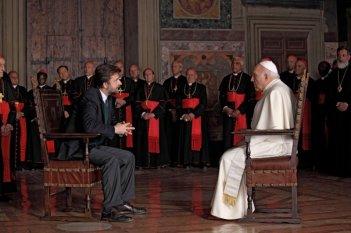 Michel Piccoli di fronte a Moretti nel film Habemus Papam