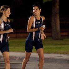 Angie Harmon e Sasha Alexander nell'episodio Born to Run di Rizzoli & Isles