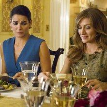 Sasha Alexander e Angie Harmon nell'episodio Money for Nothing di Rizzoli & Isles