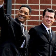 Una divertita immagine di Josh Brolin e Will Smith sul set di Men in Black 3