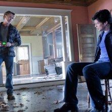John Schneider e Tom Welling in una scena dell'episodio Kent di Smallville