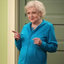 Betty White in una scena di Hot in Cleveland