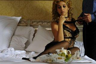Donatella Finocchiaro in una scena del film I baci mai dati (2010)