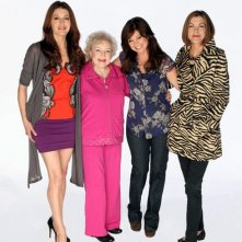 Jane Leeves, Betty White, Valerie Bertinelli e Wendie Malick in una foto promozionale di Hot in Cleveland