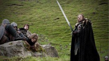 Sean Bean in una scena dell'episodio Winter Is Coming di Game of Thrones
