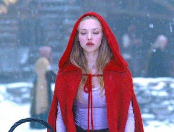 Amanda Seyfried è Cappuccetto Rosso Sangue