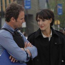 Jason Clarke e Jennifer Beals nel pilot di The Chicago Code