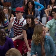 Ashley Fink, Chris Colfer, Harry Shum e Lea Michele nell'episodio Born This Way di Glee