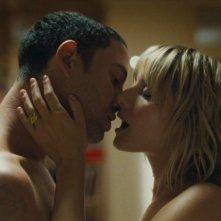 Guillaume Gouix e Melanie Laurent in una sensuale sequenza di Et soudain tout le monde me manque