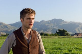 Robert Pattinson in una scena del film Come l'acqua per gli elefanti