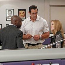 Alimi Ballard, Matthew Willig e Sarah Jane Morris a lavoro nell'episodio Dead Reflection di NCIS