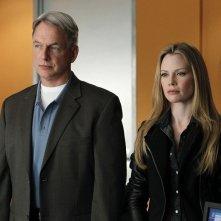 Gibbs (Mark Harmon) ed E.J. Barrett (guest-star Sarah Jane Morris) nell'episodio Two Faced di NCIS