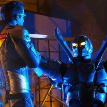 Blue Beetle (Jaden Brandt Bartlett) affronta Booster Gold (Eric Martsolf) nell'episodio Booster di Smallville
