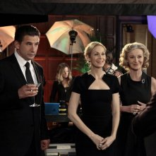 William Baldwin, Kelly Rutherford e Caroline Lagerfelt nell'episodio The Kids Stay in the Picture di Gossip Girl