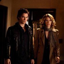Andie (Dawn Olivieri) e Damon (Ian Somerhalder) nell'episodio Klaus di Vampire Diaries
