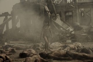 Una drammatica scena del film Aftershock