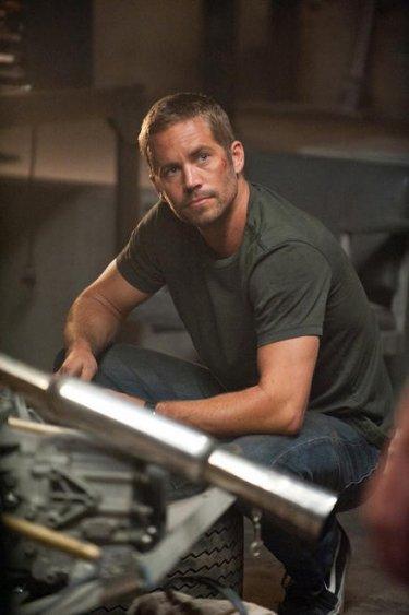 Paul Walker in una scena di Fast & Furious 5