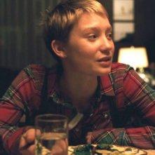 Mia Wasikowska in una sequenza del film Restless