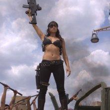 Michelle Rodriguez in una scena del film Machete