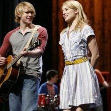 Chord Overstreet e Dianna Agron in una scena dell'episodio Rumours della seconda stagione di Glee