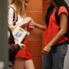 Heather Morris e Naya Rivera in una scena dell'episodio Rumours della seconda stagione di Glee