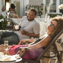 Mike Epps e Valarie Pettiford in una scena del film Jumping the Broom