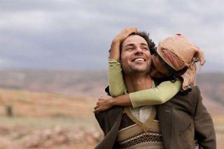 Una gioiosa sequenza del film La source des femmes