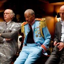 John Malkovich, Morgan Freeman e Bruce Willis in una scena del film Red