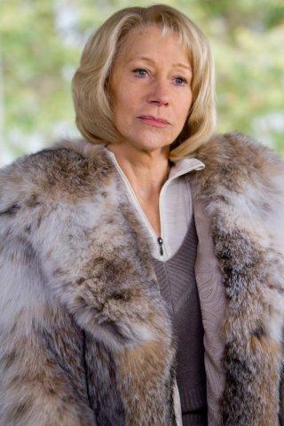 Una incantevole Helen Mirren nel film Red