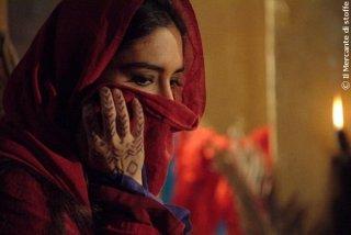 Emanuela Garuccio nel film Il mercante di stoffe