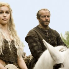 Emilia Clarke ed Iain Glen nell'episodio Cripples, Bastards, and Broken Things di Game of Thrones